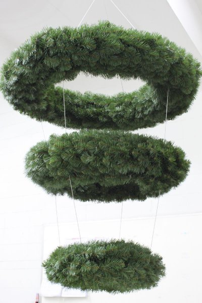 3-tiered Alberta wreath